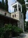 Eine der Kirchen des Dorfes