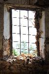 Das Fenster einer Ruine oberhalb von Agios Dimitrios