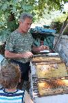 Ioannis ist nicht Fischer, sondern auch Imker.